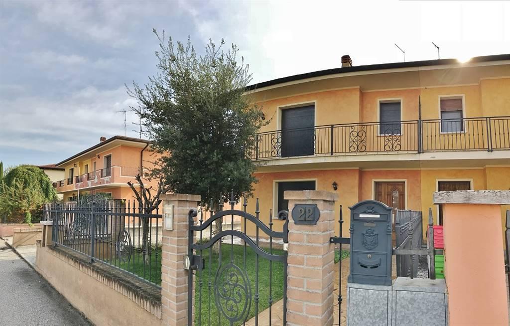 Villa Bifamiliare in Vendita a Villimpenta