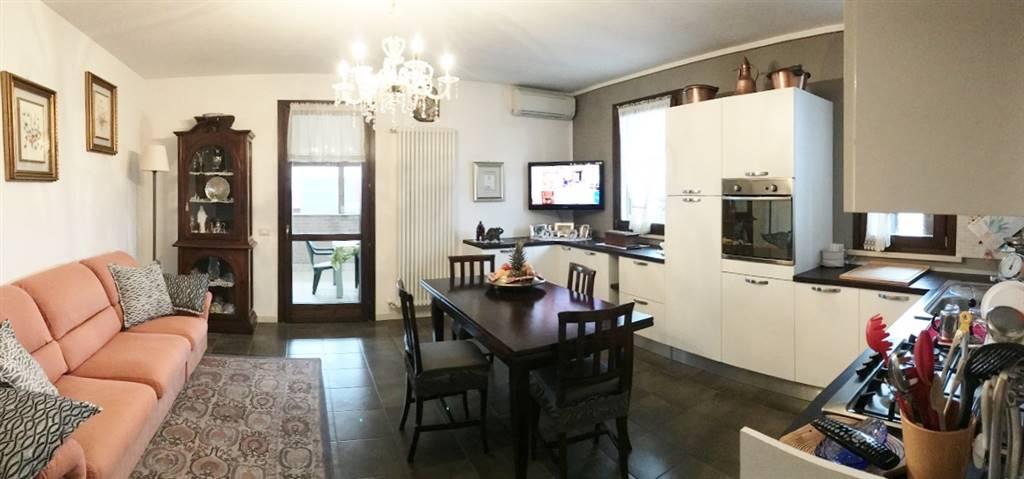 Appartamento in vendita a Castelbelforte, 3 locali, prezzo € 90.000   CambioCasa.it