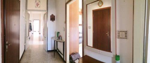 Appartamento in vendita a Roncoferraro, 5 locali, zona Zona: Barbasso, prezzo € 48.000 | CambioCasa.it