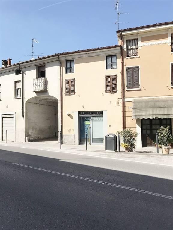Negozio / Locale in vendita a Castel d'Ario, 3 locali, zona Zona: Centro Urbano, prezzo € 60.000   CambioCasa.it