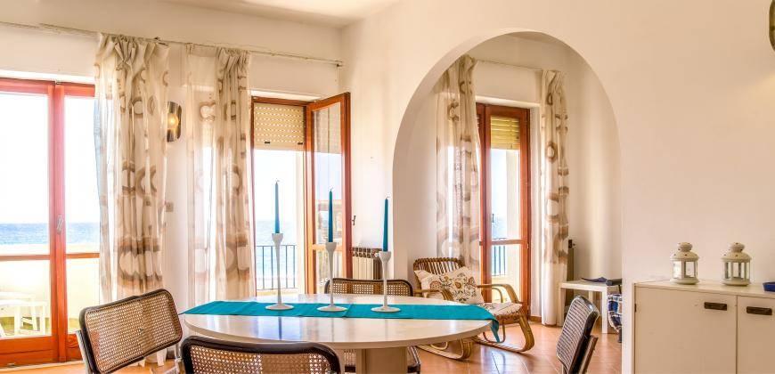 Appartamento in affitto a Giardini-Naxos, 3 locali, zona Località: RECANATI, prezzo € 2.500 | CambioCasa.it