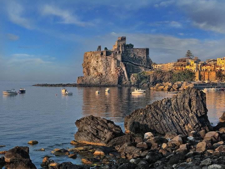 Villa in vendita a Aci Castello, 8 locali, prezzo € 1.200.000 | CambioCasa.it