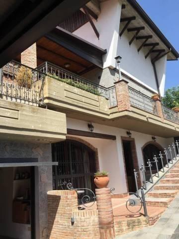 Villa in Vendita a Nicolosi
