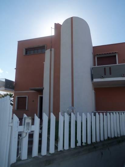 Villa in vendita a Tremestieri Etneo, 7 locali, prezzo € 285.000 | CambioCasa.it
