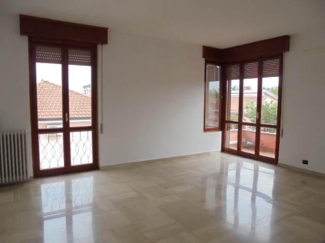 Appartamento in affitto a Vigevano, 2 locali, prezzo € 400 | Cambio Casa.it