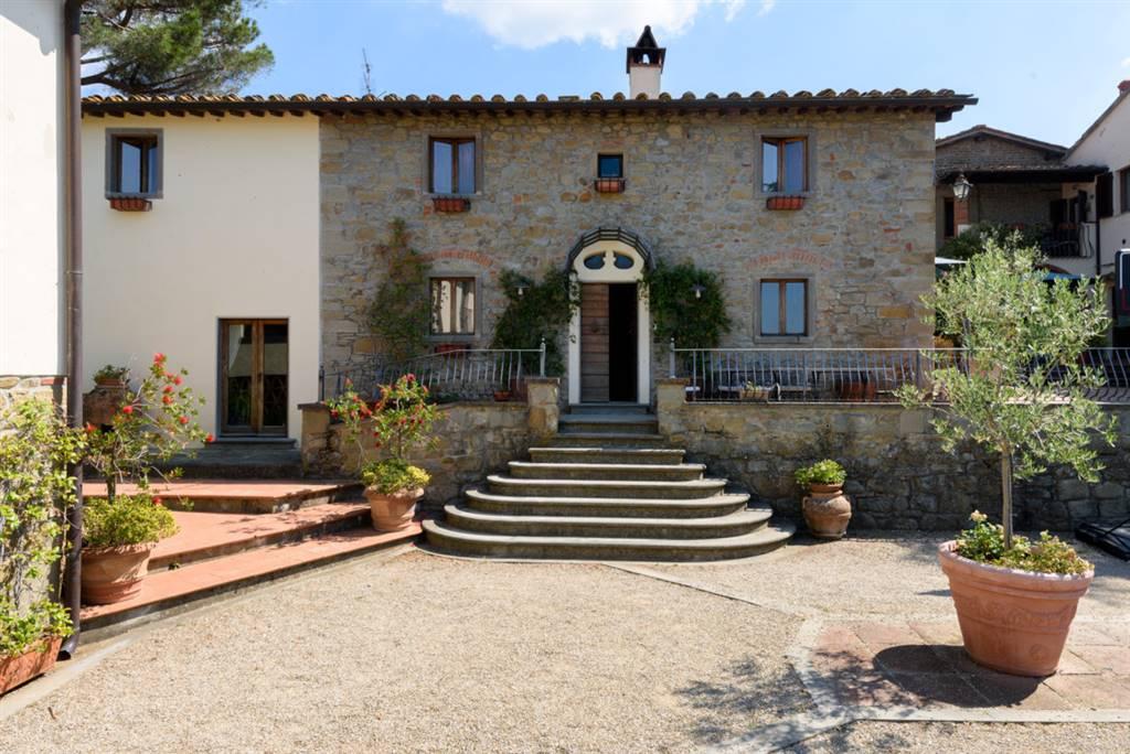 Villa in vendita a Reggello, 12 locali, prezzo € 810.000 | CambioCasa.it