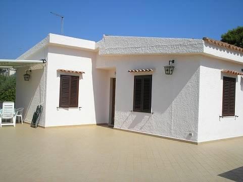 Villa in affitto a Siracusa, 3 locali, zona Zona: Cassibile, prezzo € 450 | CambioCasa.it