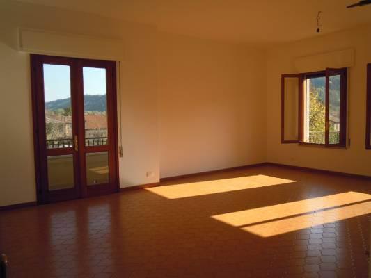 Appartamento in affitto a Follina, 5 locali, prezzo € 550 | CambioCasa.it