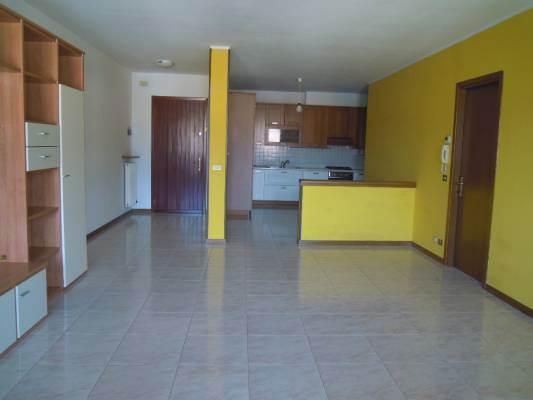 Appartamento in affitto a Follina, 4 locali, prezzo € 450 | CambioCasa.it