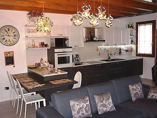 Appartamento in vendita a Follina, 3 locali, prezzo € 145.000   CambioCasa.it