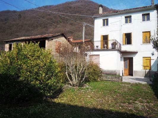 Rustico / Casale in vendita a Cison di Valmarino, 4 locali, prezzo € 40.000 | CambioCasa.it
