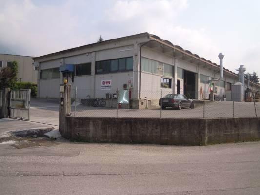 Capannone in vendita a Cison di Valmarino, 3 locali, prezzo € 275.000 | CambioCasa.it