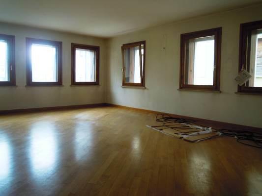 Appartamento in affitto a Miane, 5 locali, prezzo € 450 | CambioCasa.it