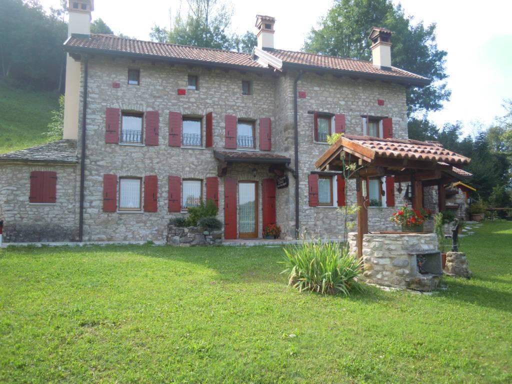 Rustico / Casale in vendita a Trichiana, 7 locali, zona Località: CAMPEDEI, prezzo € 250.000 | CambioCasa.it