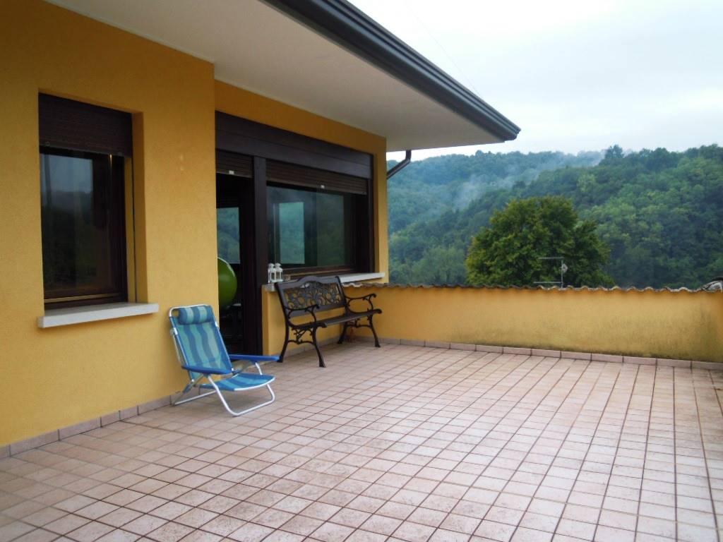 Appartamento in affitto a Miane, 6 locali, zona Località: VERGOMAN, prezzo € 450 | CambioCasa.it