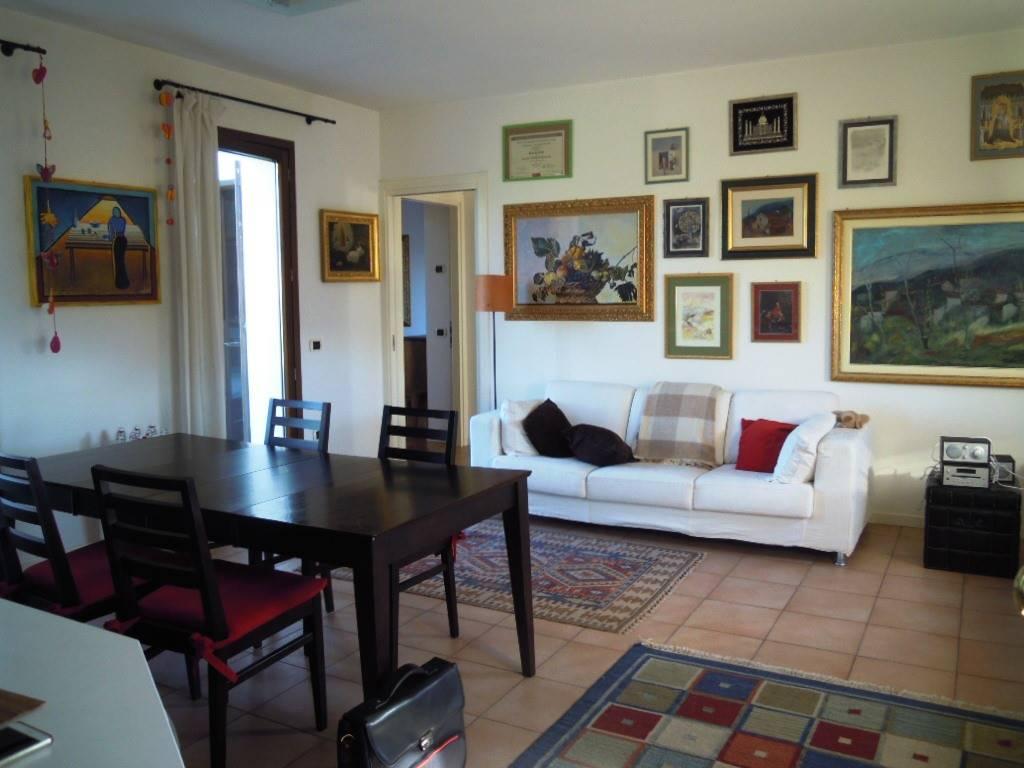 Appartamento in vendita a Pieve di Soligo, 3 locali, prezzo € 100.000   CambioCasa.it