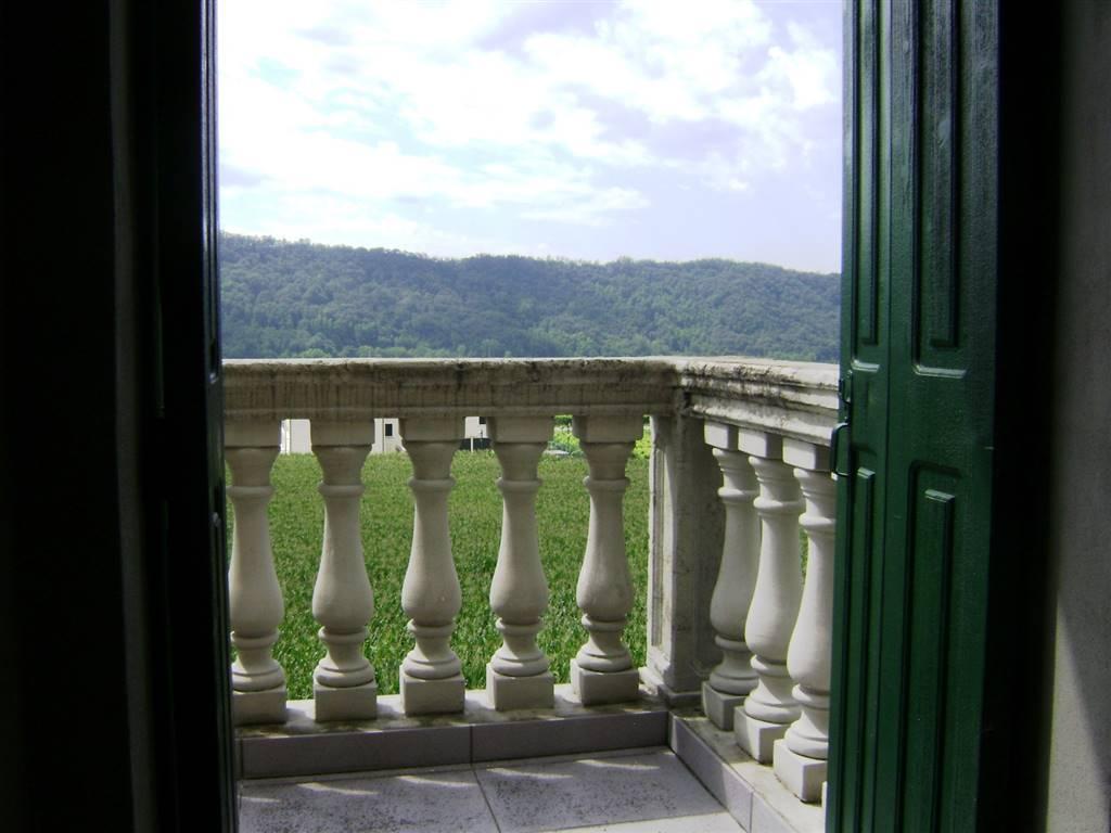 Appartamento in vendita a Cison di Valmarino, 5 locali, prezzo € 350.000 | CambioCasa.it
