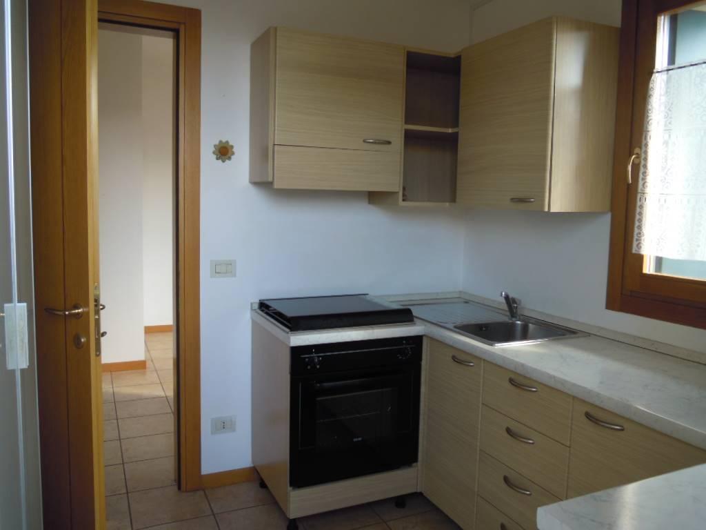Appartamento in affitto a Pieve di Soligo, 2 locali, zona Zona: Solighetto, prezzo € 400 | CambioCasa.it