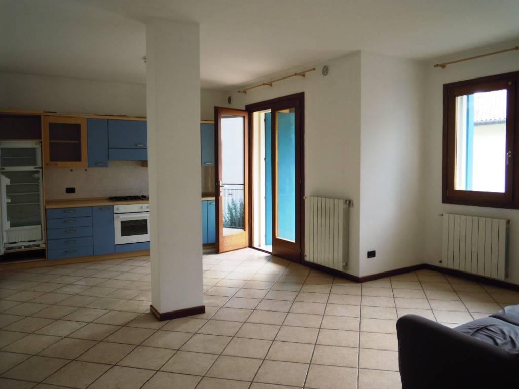 Appartamento in affitto a Follina, 4 locali, zona Zona: Valmareno, prezzo € 430 | CambioCasa.it