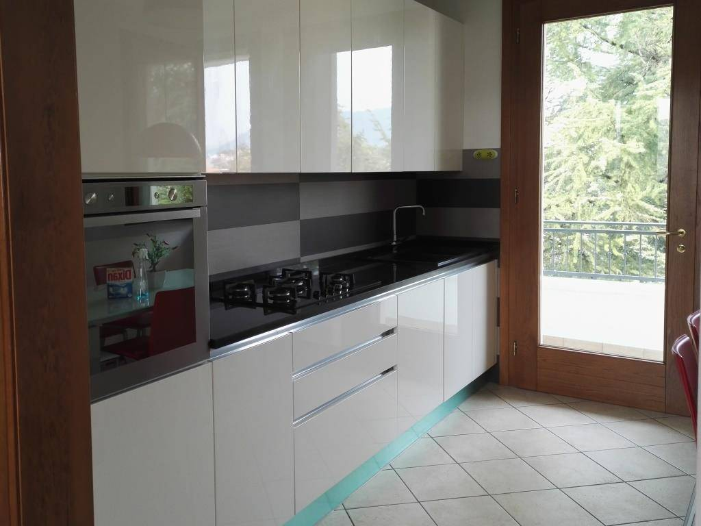 Appartamento in affitto a Pieve di Soligo, 4 locali, prezzo € 550 | CambioCasa.it