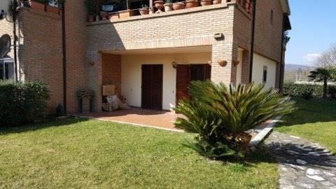 Appartamento in affitto a Pratola Serra, 3 locali, prezzo € 380 | CambioCasa.it