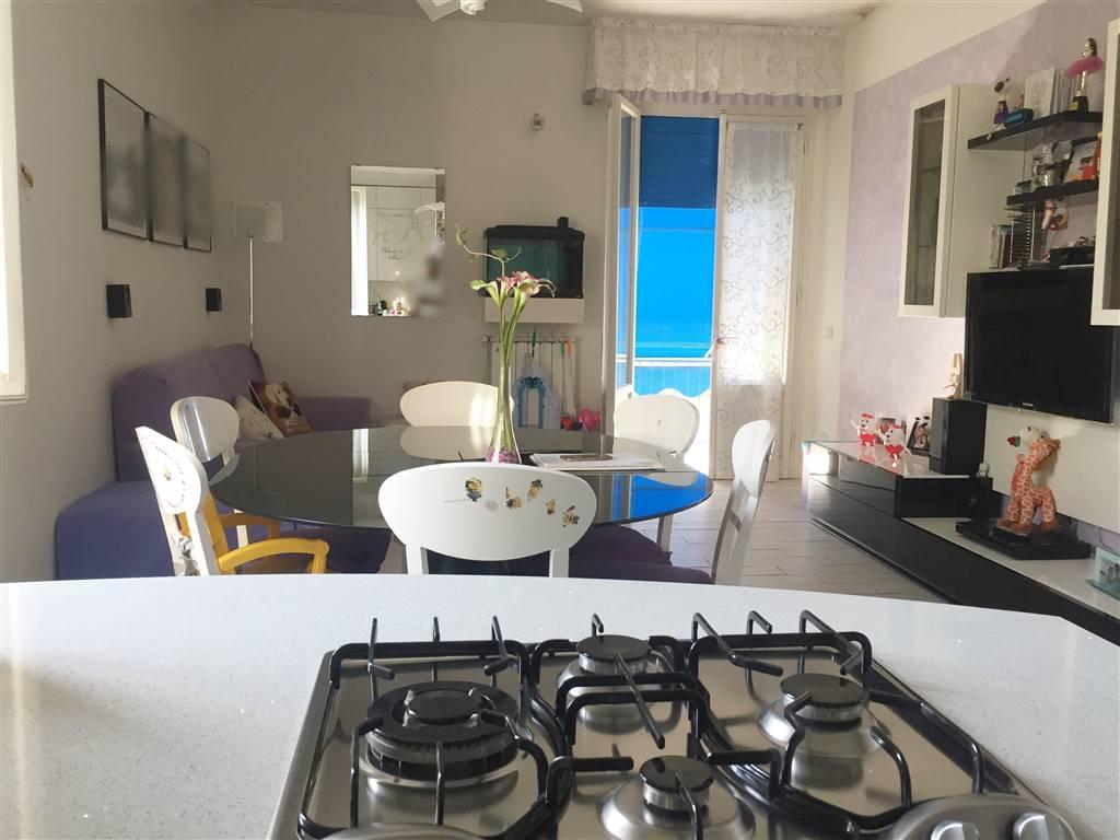 Appartamento in vendita a Scandicci, 4 locali, zona Località: CENTRO, prezzo € 263.000 | CambioCasa.it