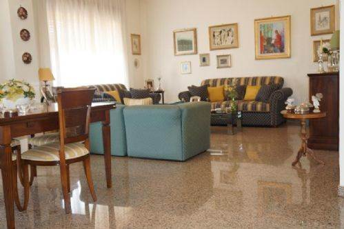 Appartamento in vendita a Castrolibero, 5 locali, zona Località: ANDREOTTA, prezzo € 155.000 | CambioCasa.it