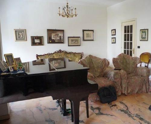 Appartamento in vendita a Cosenza, 5 locali, prezzo € 220.000 | CambioCasa.it