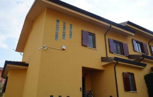 Villa in vendita a Mendicino, 9999 locali, prezzo € 165.000 | CambioCasa.it