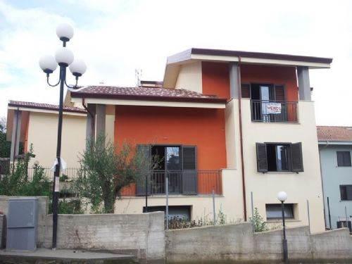 Villa in vendita a Rende, 6 locali, zona Località: ARCAVACATA, prezzo € 114.000 | CambioCasa.it