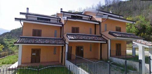 Villa a Schiera in vendita a Aprigliano, 6 locali, zona Località: CORTE, prezzo € 129.000 | CambioCasa.it