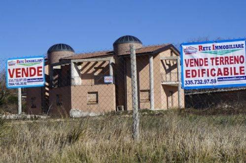 Villa in Vendita a Carolei
