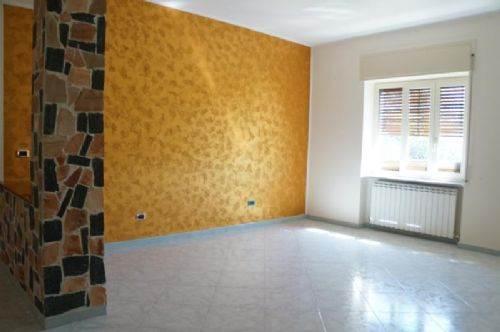 Appartamento in affitto a Mendicino, 4 locali, zona Zona: Rosario, prezzo € 400 | CambioCasa.it