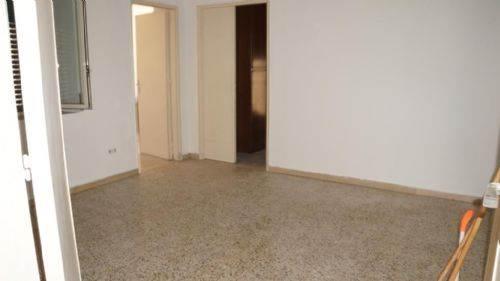 Appartamento in vendita a Cosenza, 5 locali, zona Zona: Via Roma, prezzo € 115.000 | CambioCasa.it