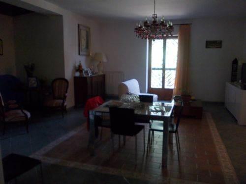 Appartamento in vendita a Castrolibero, 5 locali, prezzo € 200.000 | CambioCasa.it