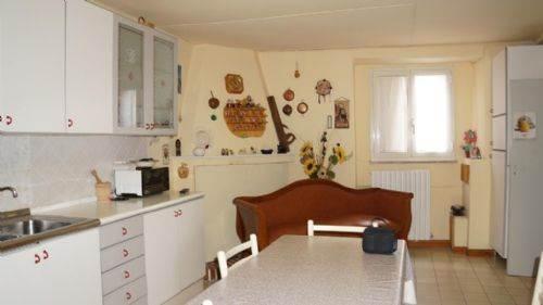 Appartamento in affitto a Spezzano Piccolo, 4 locali, prezzo € 300 | CambioCasa.it