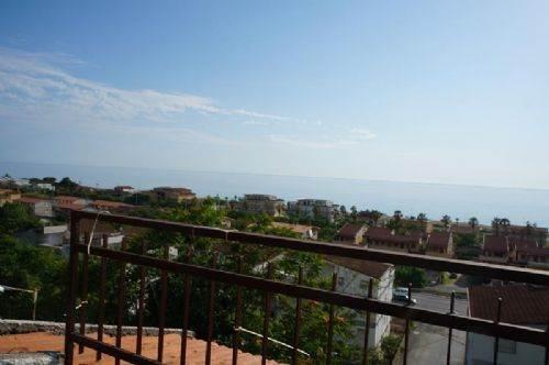 Appartamento in vendita a Falconara Albanese, 3 locali, prezzo € 15.000 | CambioCasa.it
