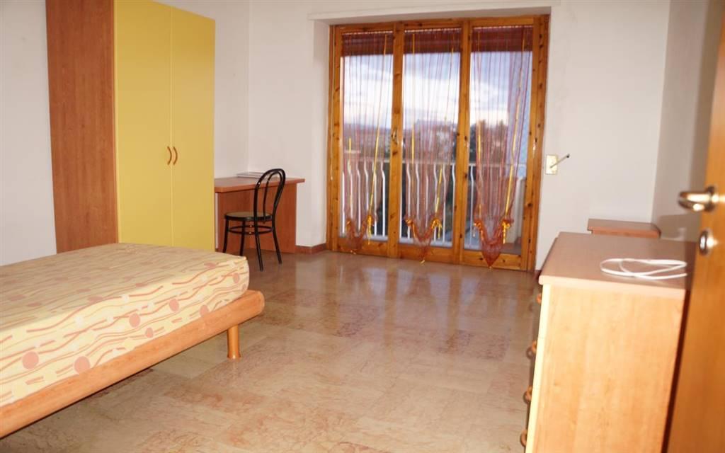 Appartamento in affitto a Rende, 4 locali, zona Località: COMMENDA, prezzo € 450   CambioCasa.it