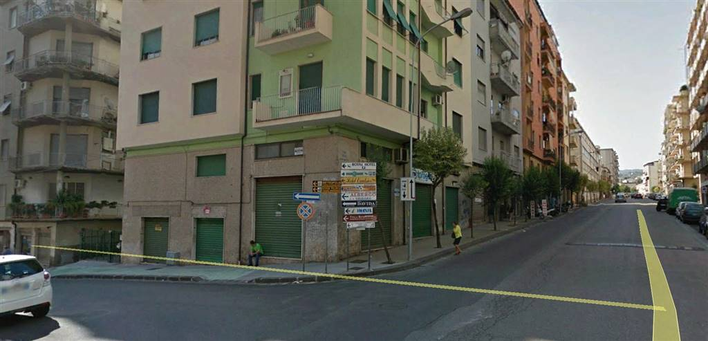 Negozio / Locale in affitto a Cosenza, 9999 locali, zona Zona: Repubblica, prezzo € 330   CambioCasa.it