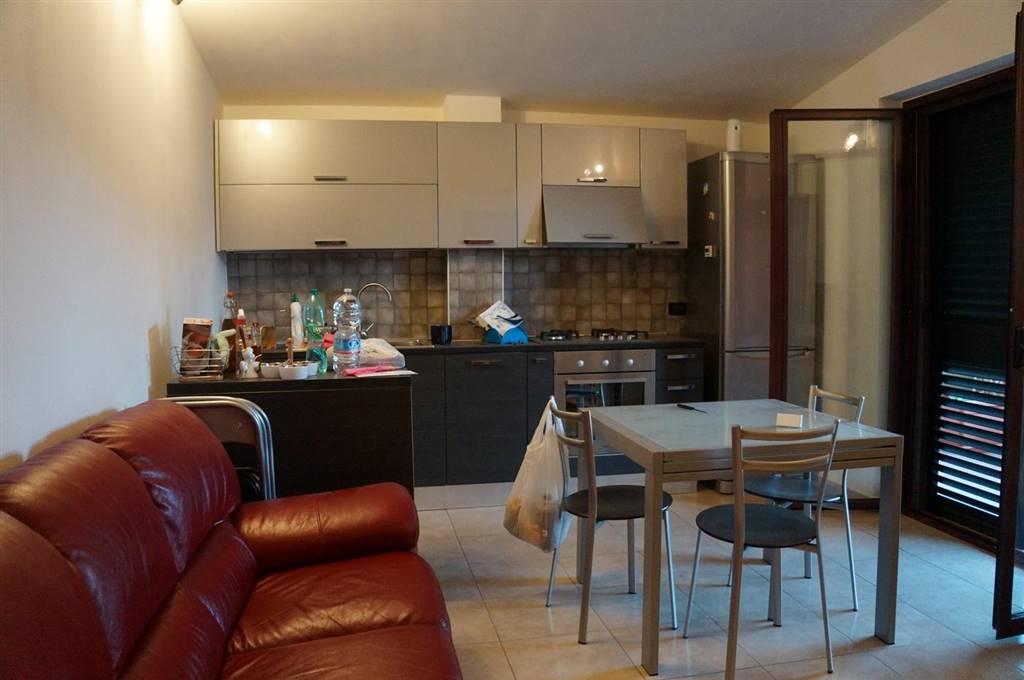 Appartamento in affitto a Mendicino, 3 locali, zona Zona: Tivolille, prezzo € 400 | CambioCasa.it