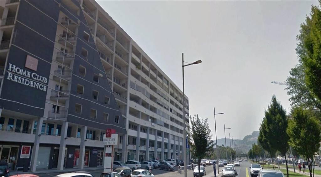 garage-Box-posto auto  in Vendita a Cosenza