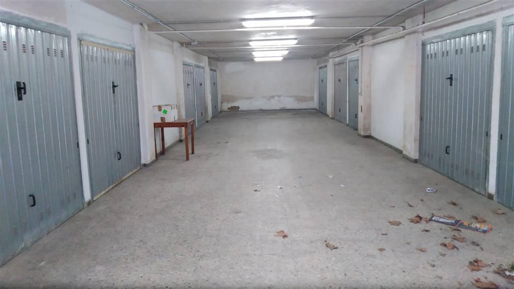 garage-Box-posto auto  in Affitto a Cosenza