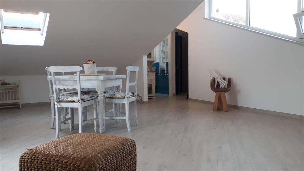 Rif 8326RA38265 –  Appartamento a AMEGLIA