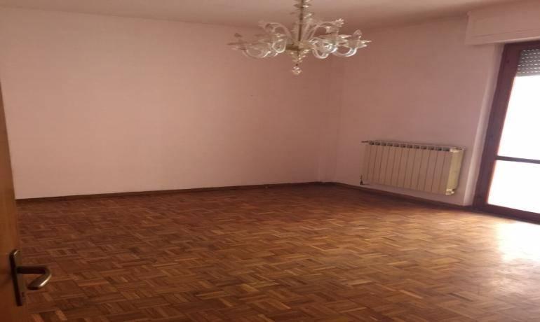 Rif 3015 –  Appartamento a SARZANA