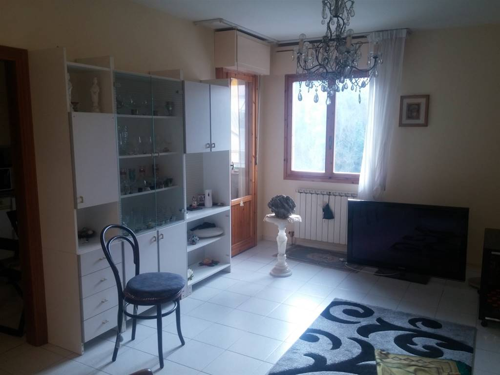 Rif 8326RA40520 –  Appartamento a CARRARA