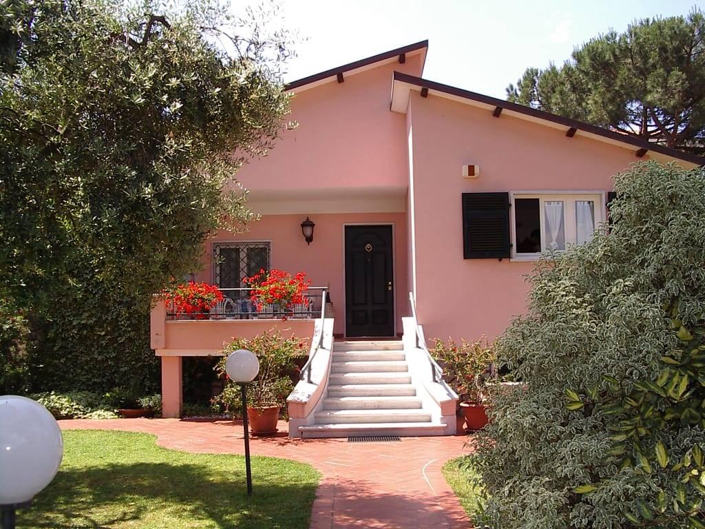 Villa-Villetta Vendita Carrara