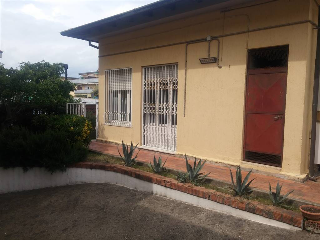 Rif 8326RV99897 –  Casa semi indipendente a CARRARA