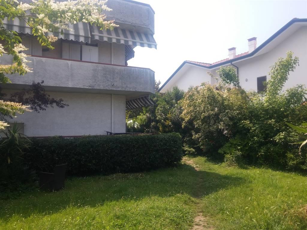Rif 8326RA39625 –  Appartamento a MASSA