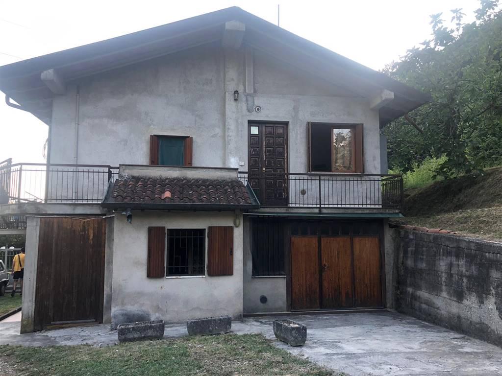 Rif 3042 –  Casa semi indipendente a FOSDINOVO