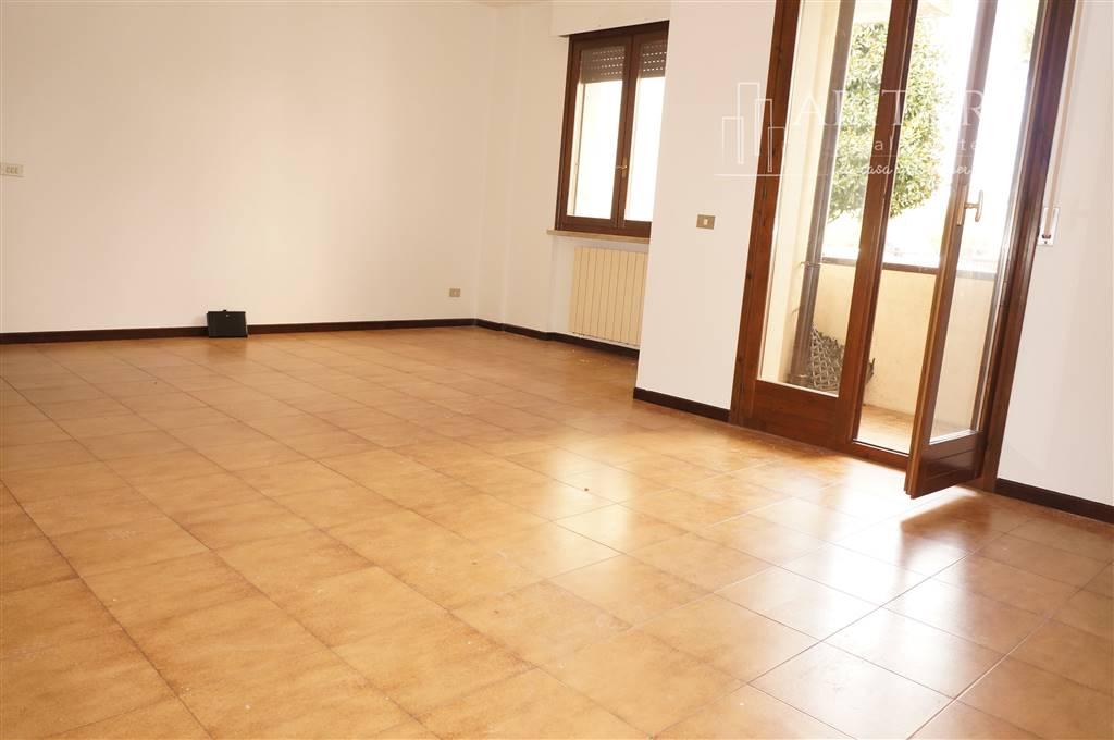 Appartamento in vendita a Zevio, 4 locali, zona Zona: Santa Maria, prezzo € 85.000 | CambioCasa.it